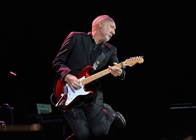 Pete Townshend Playing