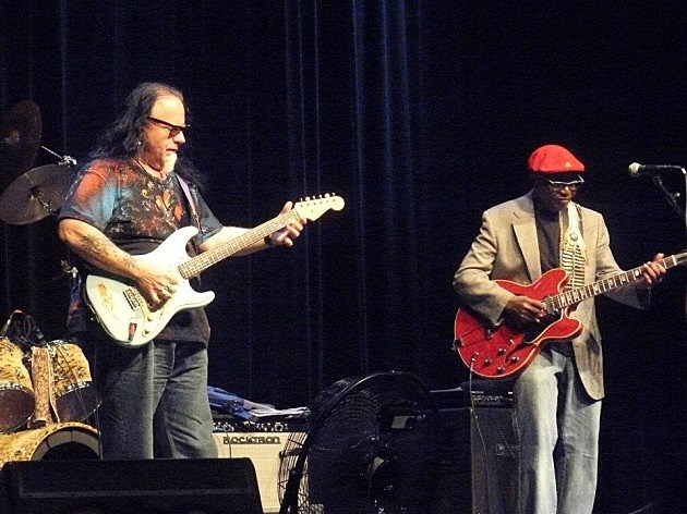 Smokin' Joe Kubek & B'Nois King